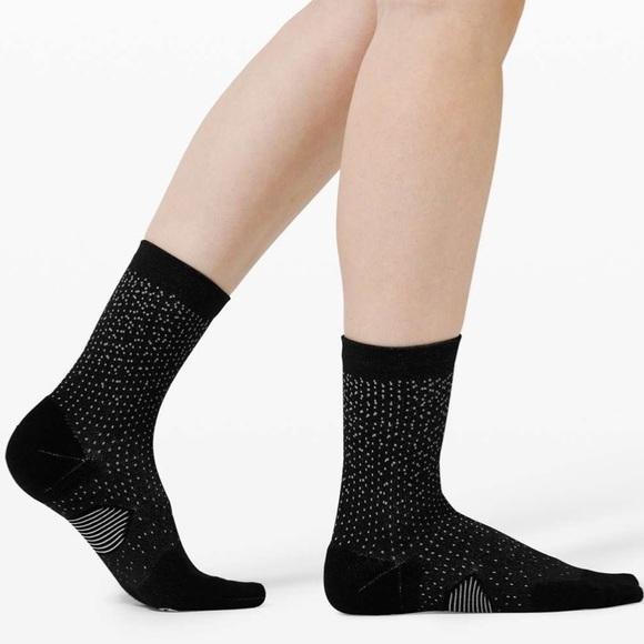 Lululemon Speed Quarter Sock *Reflective - Black